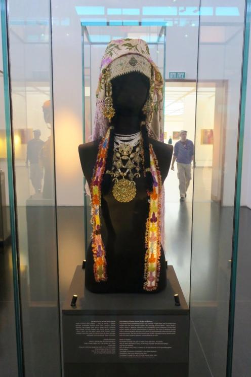 traditional Moroccan Jewish attire